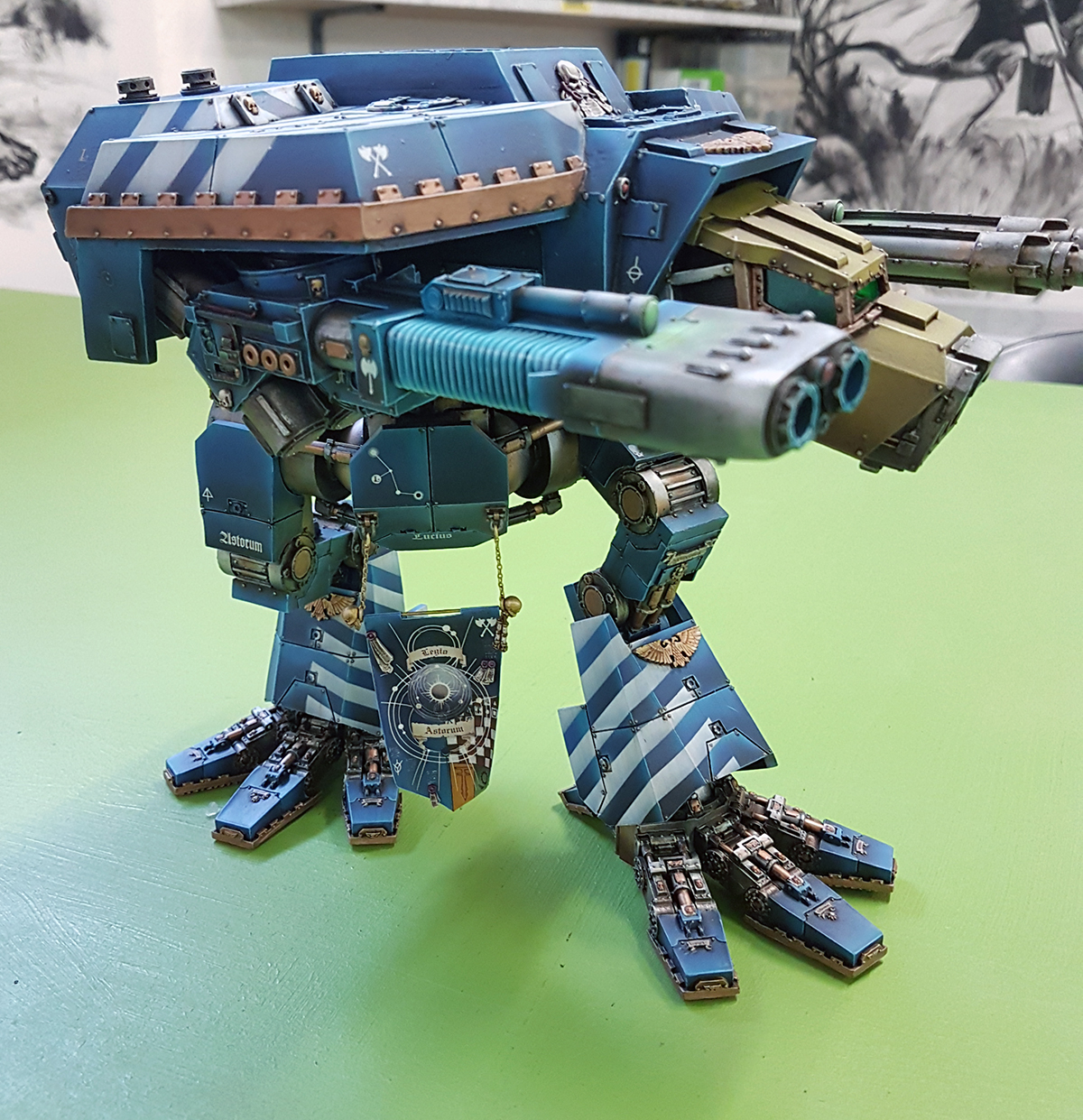 Dorn's Arrow: Lucius Pattern Warhound Titan - Slightly more finished!