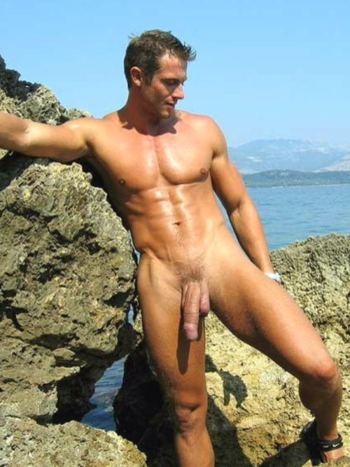 Barefoot Men Nude Beach Fun-7620