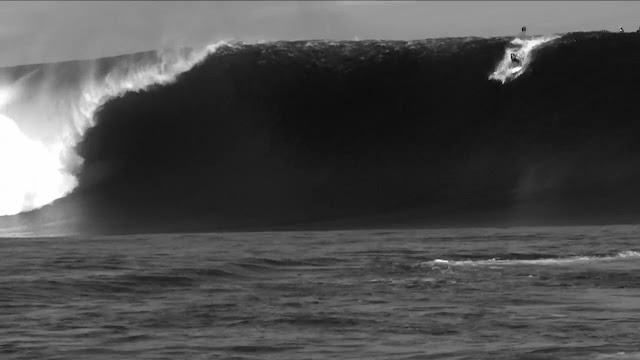 Cloudbreak, Tavarua, Fiji. Bigest swell in 20 years. Dean Bowen, Scardy, Nick Vasicek and Mikey Brennan