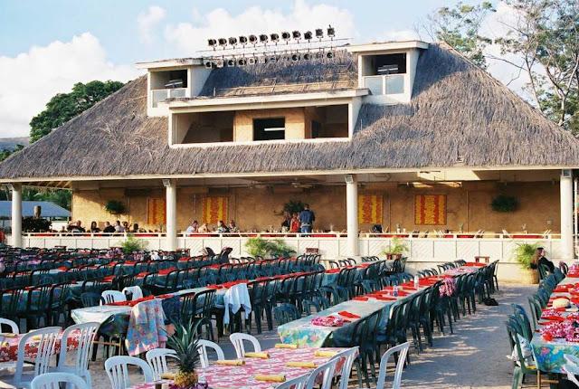 Oahu Wedding Venues Paradise Cove Luau