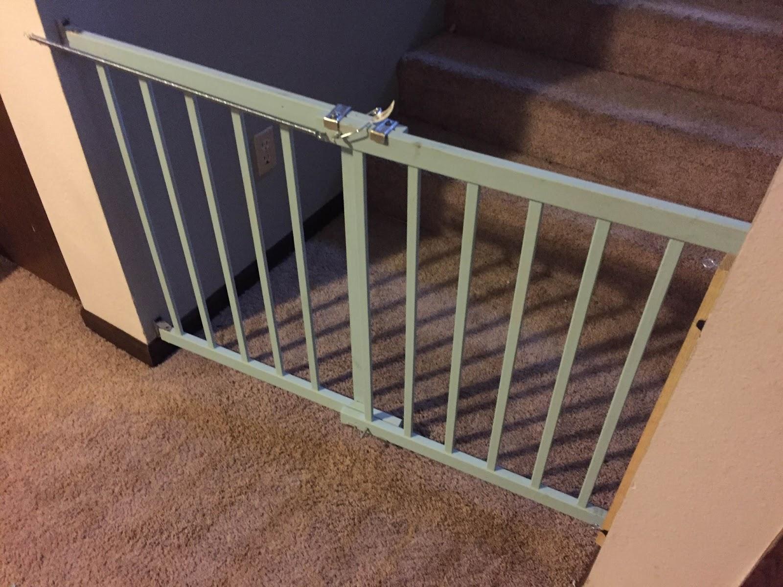 The Dabbling Crafter: DIY Self-Closing Dog Gate