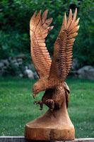 Obras de arte hechas con madera aguila