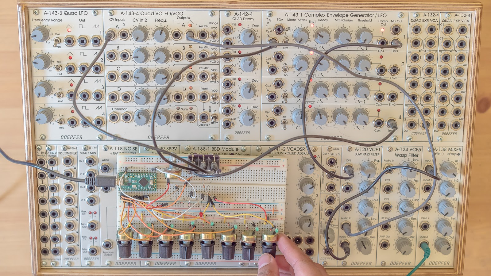 little-scale: DIY CV Controlled Sequencer