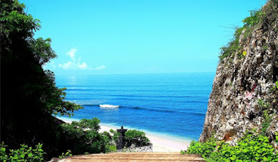 Wisata Pantai Balangan di Bali
