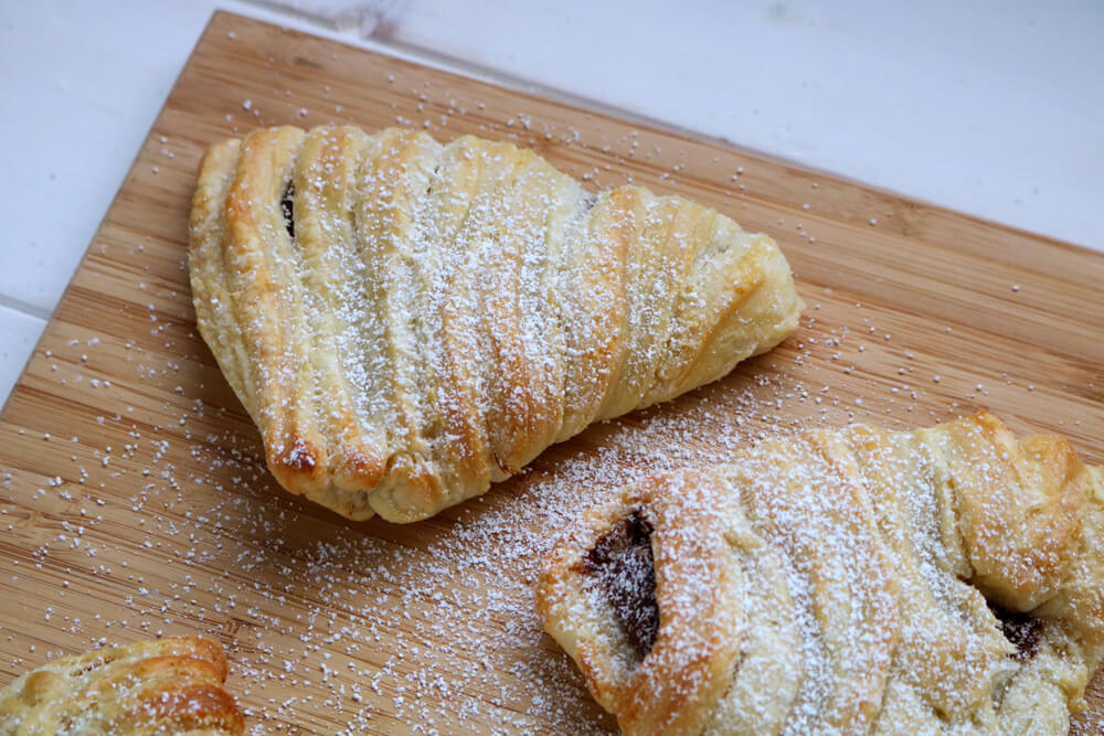 Sfogliatella (the cheats way) | Bake Off Bake Along | Hungry Little Bear