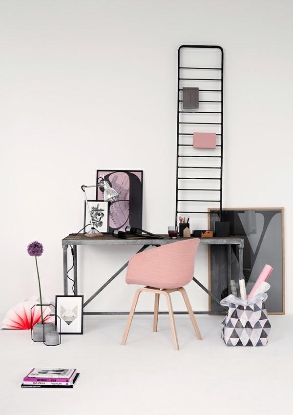 decoración oficina gris y rosa