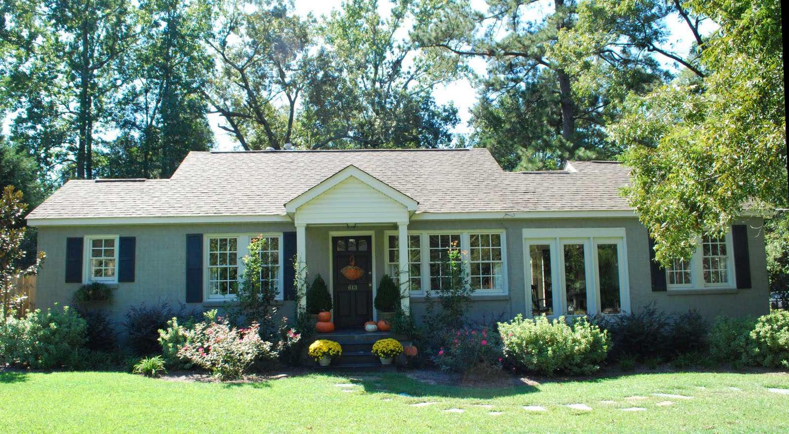 Exterior Paint Colors For Brick Homes | Home Painting Ideas on Brick House Painting Ideas  id=71472