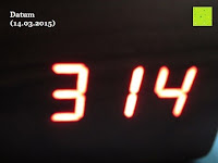 Datum 14.03.2015: kwmobile Wecker Digital Uhr aus Holz mit Geräuschaktivierung, Temperaturanzeige und Tastaktivierung
