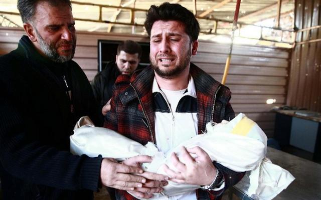 Salah Skaff, menggendong jasad putrinya, Amira