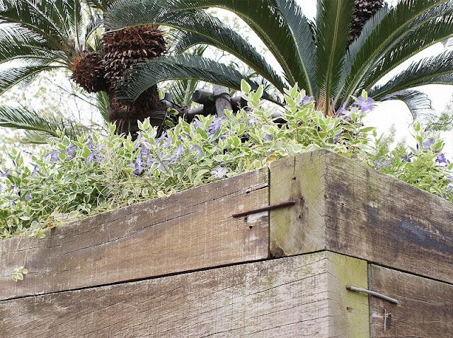 枕木 施工例 花壇 土留 かすがい