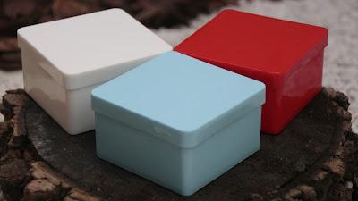 caixa colorida 7x7cm