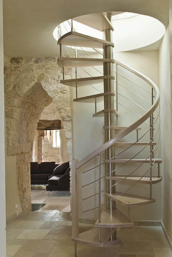 Rustik chateaux seleccion de escaleras caracol cual elegir - Escaleras de interior modernas ...