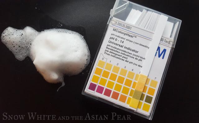 Make Prem Safe Me Relief Moisture foaming cleanser pH test
