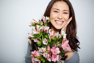 Send flowers to your girlfriend in HCMC