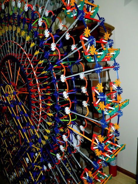 Knextravagant Kreations Big Build Ferris Wheel - Completed