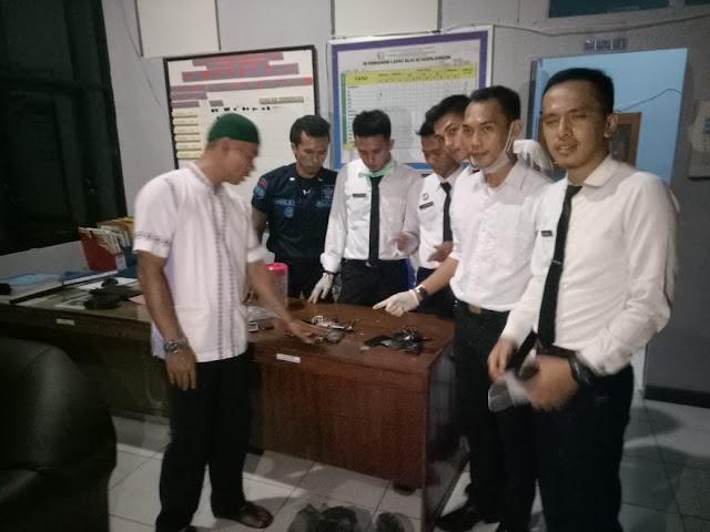 Kasubsi Kamtib, Staff dan anggota jaga setelah melakukan rahazia