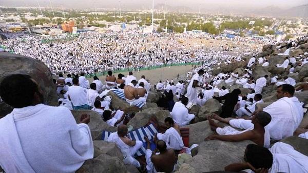 إدارة الحرمين الشريفين وتوزيع عوائد الحج والعمرة على فقراء المسلمين