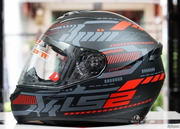 Khuôn mẫu mũ bảo hiểm LS2 FF352 gây chú ý