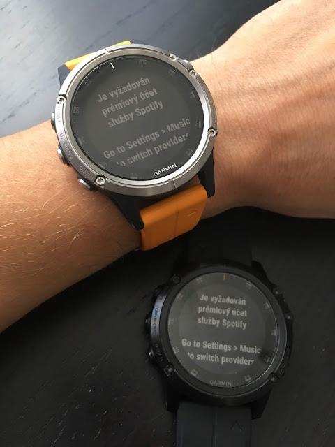 K tomu je jen nutné mít v hodinkách nainstalovanou aplikaci Spotify a se  zaplacenou Premium verzí 70ae7c817ef