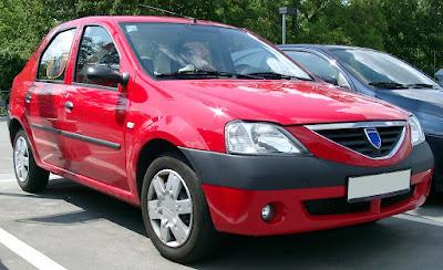 Dacia Logan roșie