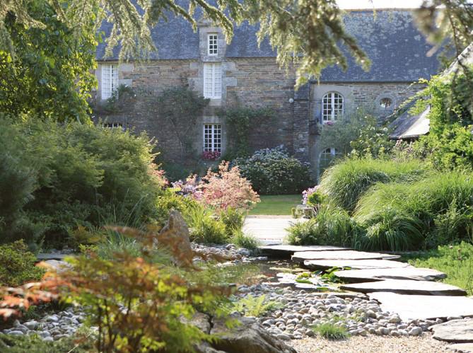 Jardins du Botrain via Jardins Maisons, edited by lb for (l&l)
