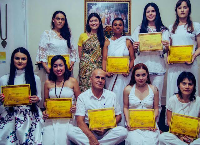 Debido al auge de la práctica del yoga en la actualidad, la Escuela de Yoga Inbound considera de vital importancia la formación de instructores de yoga integrales, quienes transmitan esta ciencia del ser con entereza, amor y profundidad.