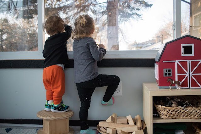 Montessori friendly tips for making the outdoors accessible to young toddlers