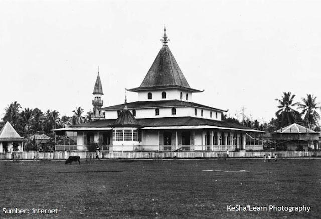 Masjid dan Pasar Martaputa Tempo Doeloe