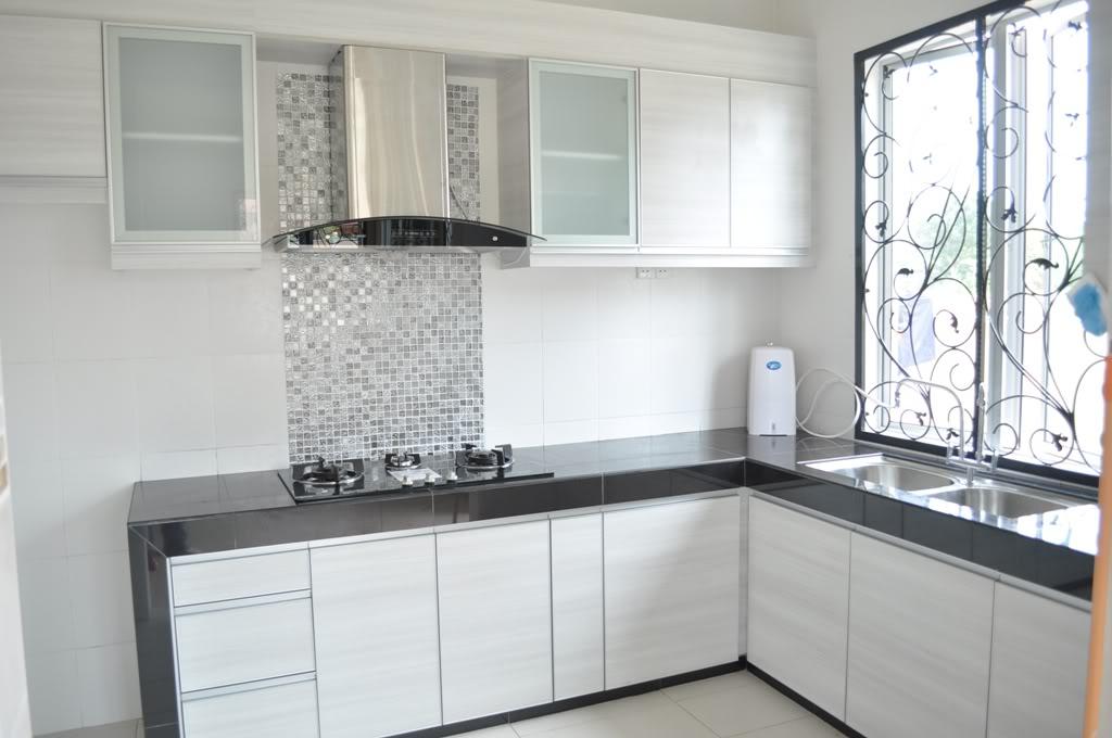 Rumah Minimalis Dapur Warna Putih