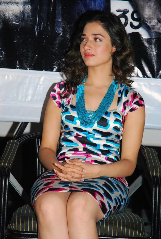 Tamanna Hot Thigh Show Photos In Blue Top