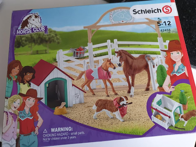 schleich-horse-club-hannahs-guest-horses-ruby-dog
