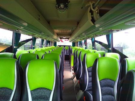 Interior bus pariwisata shelota