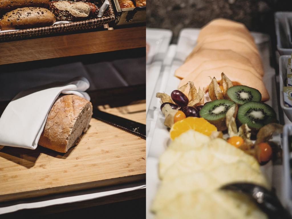Brot und Obstplatte