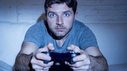 Cara Mengatasi Mata Minus Saat Bermain Game