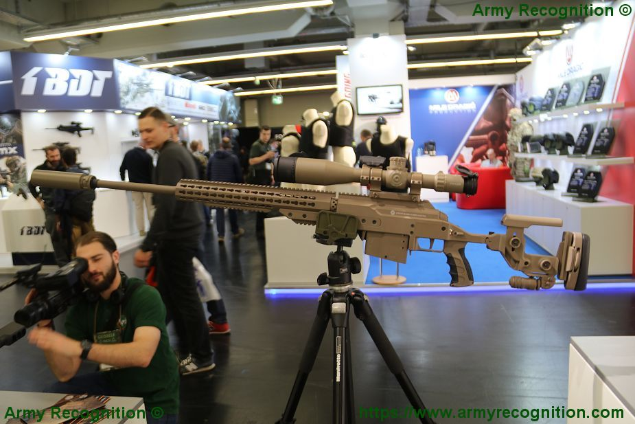https://2.bp.blogspot.com/-qB2iYVCn_XQ/WqA5EUE_AoI/AAAAAAAAc7U/G0CvBiRSYWIehkiU-HRDc5blMLeml3HBQCLcBGAs/s1600/Steyr_from_Austria_presents_its_SSG_M1_sniper_rifle_at_Enforce_TAC_2018_925_001.jpg