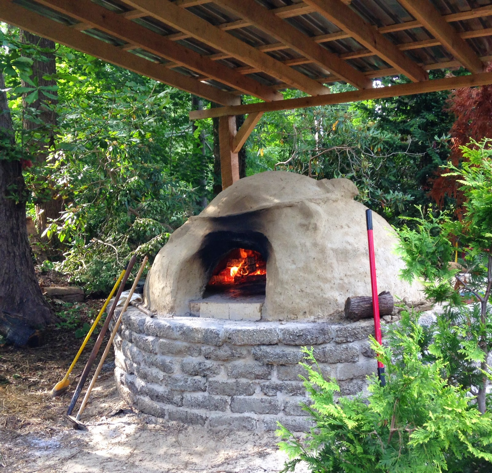 KnitOne,PearlOnion: Backyard Brick Oven Pizza on Outdoor Patio With Pizza Oven  id=36608
