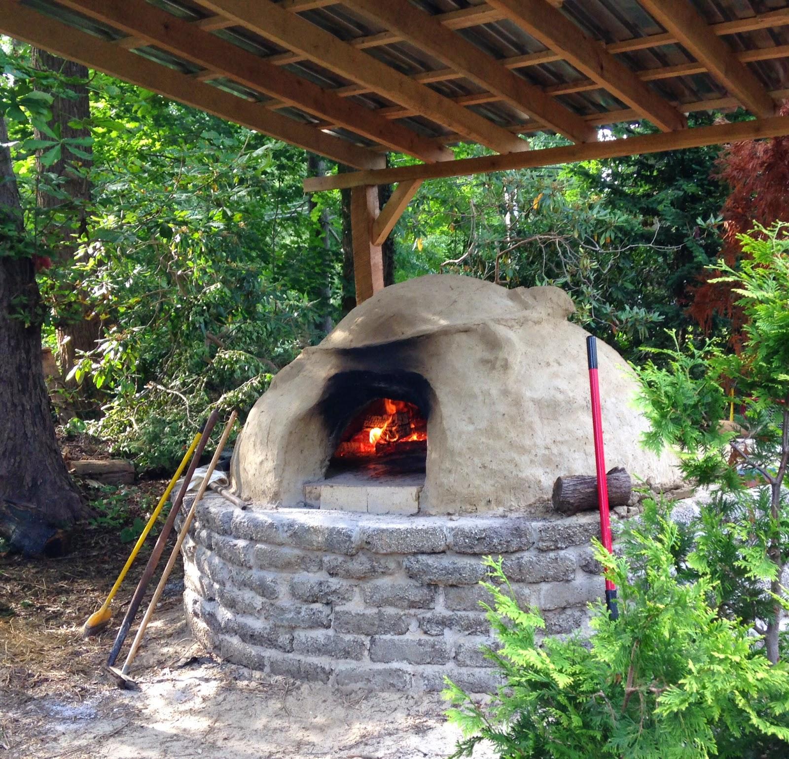 KnitOne,PearlOnion: Backyard Brick Oven Pizza