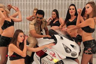 Ram Charan Teja Priyanka Chopra Super Police Tamil Movie Gallery  0015.jpg