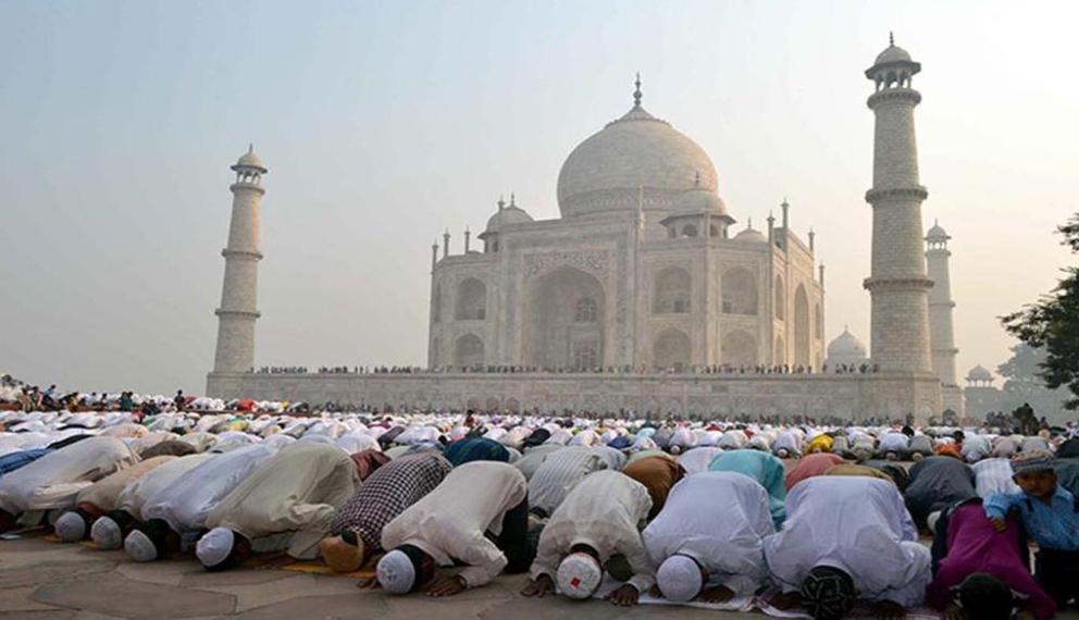 Muslim India Protes Pembatasan Shalat Jumat di Taj Mahal