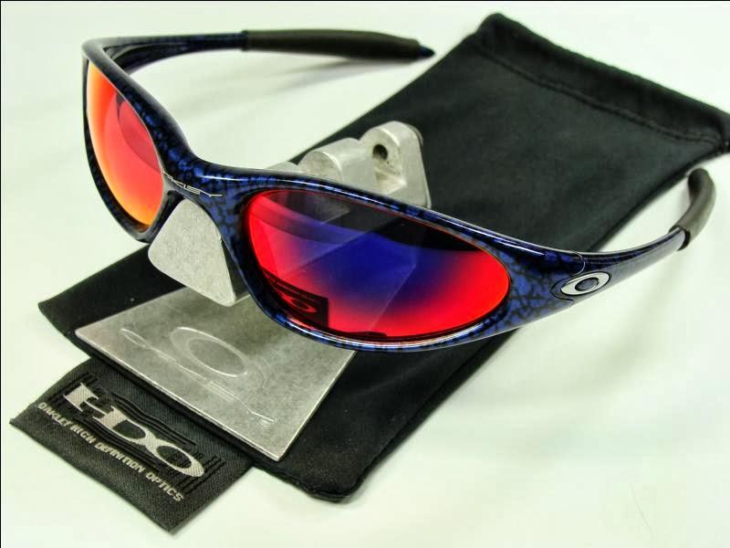 b728fbd61f7a0 Oakley Minute 1.0. Modelo  04-088. Montura  Cobalt Blue Lentes  Red Iridium