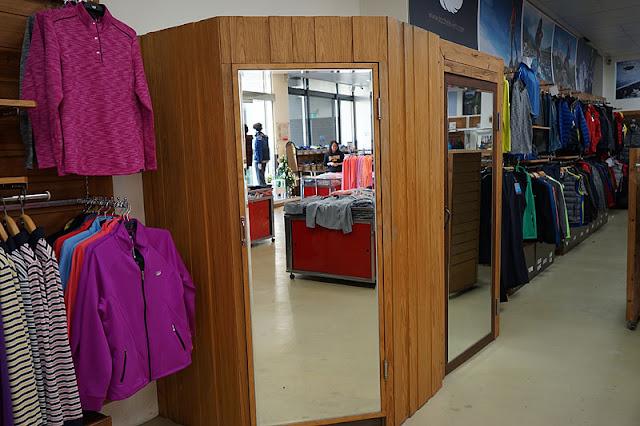 DSC09157 - 熱血採訪│台中史邁爾年度廠拍只有五天,幾大必看服飾攻略懶人包