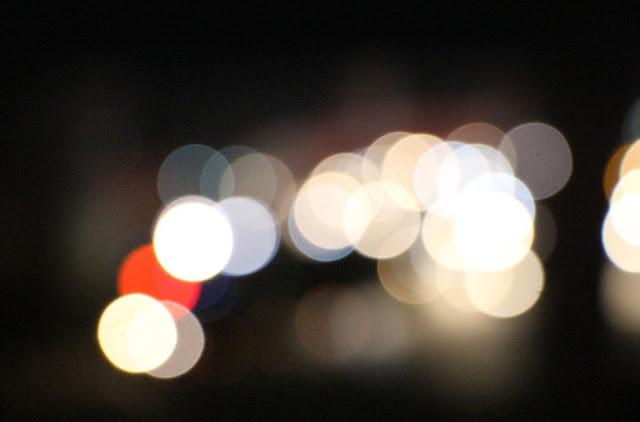 Puisi: Semacam roman tentang malam