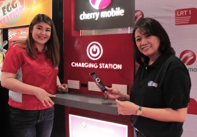 Cherry Mobile Installs Charging Kiosks at LRT-1 Stations