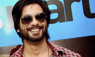 actor-always-alone-shahid-kapoor