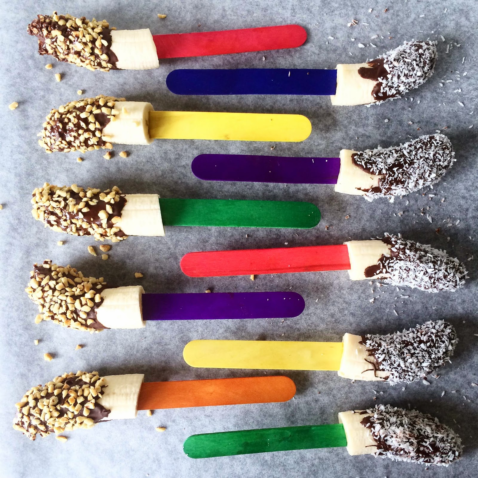 clean healthy banana popsicles