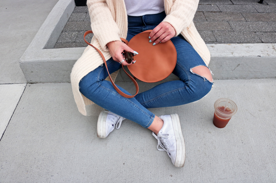 Brown Leather Circle Bag Casual Outfit