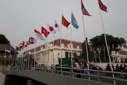 Warga Kumpulkan Rp 1 Juta Beli Bendera Peserta Asian Games Bertiang Bambu di Pluit
