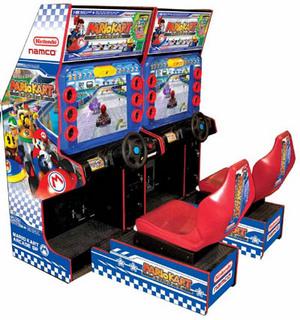 Fotografía de Mario Kart Arcade. Mueble para dos jugadores. Volante, pedales y sillón en rojo y azul