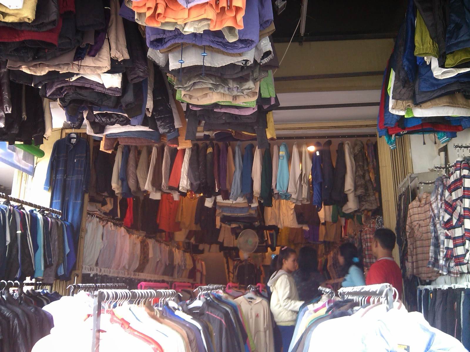 Tugas Wawancara Pemasaran On Line Wawancara Pedagang Baju Bekas Impor