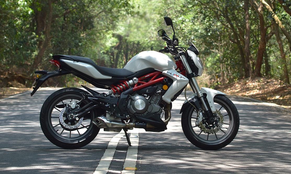 Benelli Tnt 300 Vs Ninja 300 Comparison Review